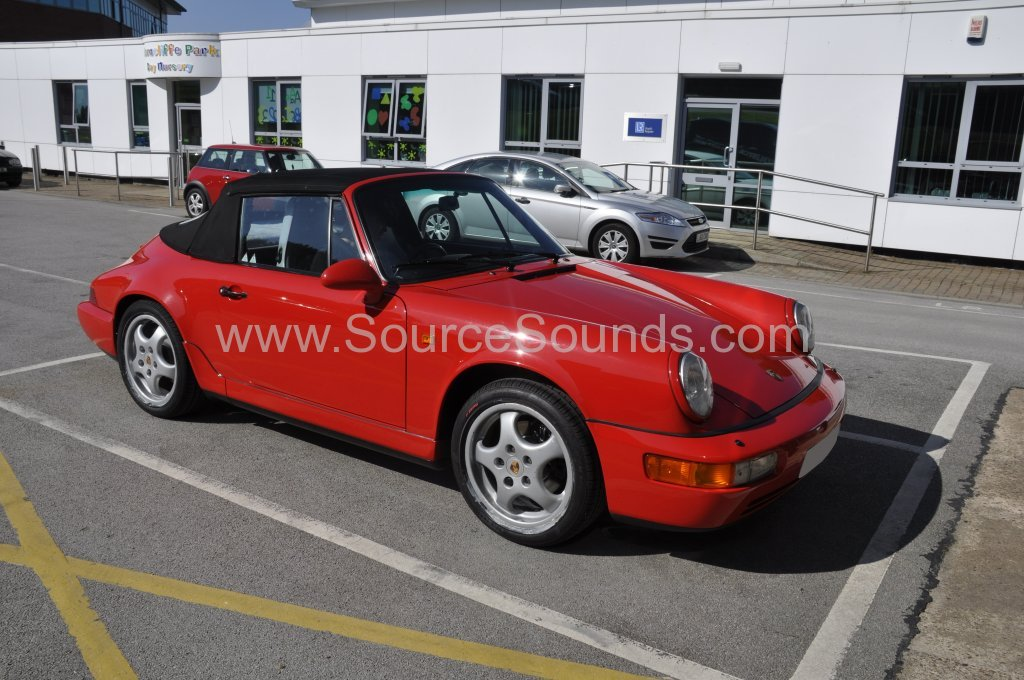 Porsche 911 Carrera 2 1992 stereo upgrade 001