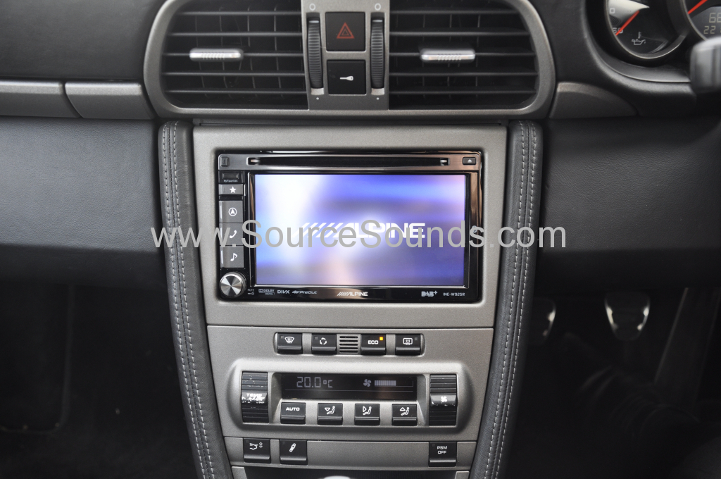 Porsche 997 2006 navigation upgrade 002