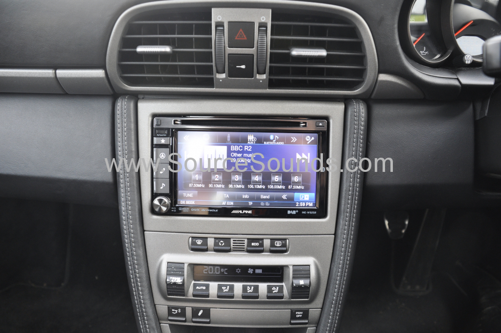 Porsche 997 2006 navigation upgrade 008