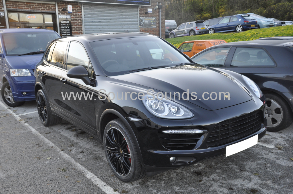 Porsche Cayenne 2013 reverse camera upgrade 001