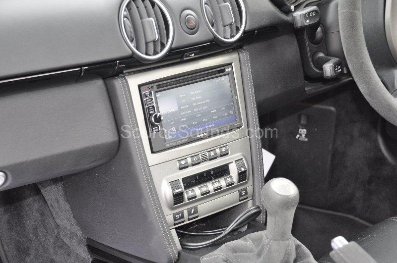 porsche-cayman-2007-double-din-navigation-dab-upgrade-006