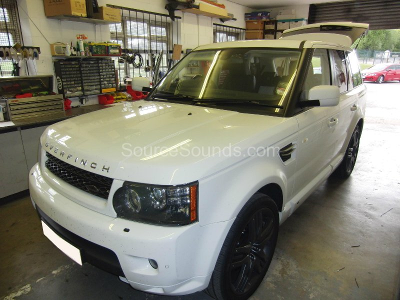 range-rover-overfinch-2010-screens-01
