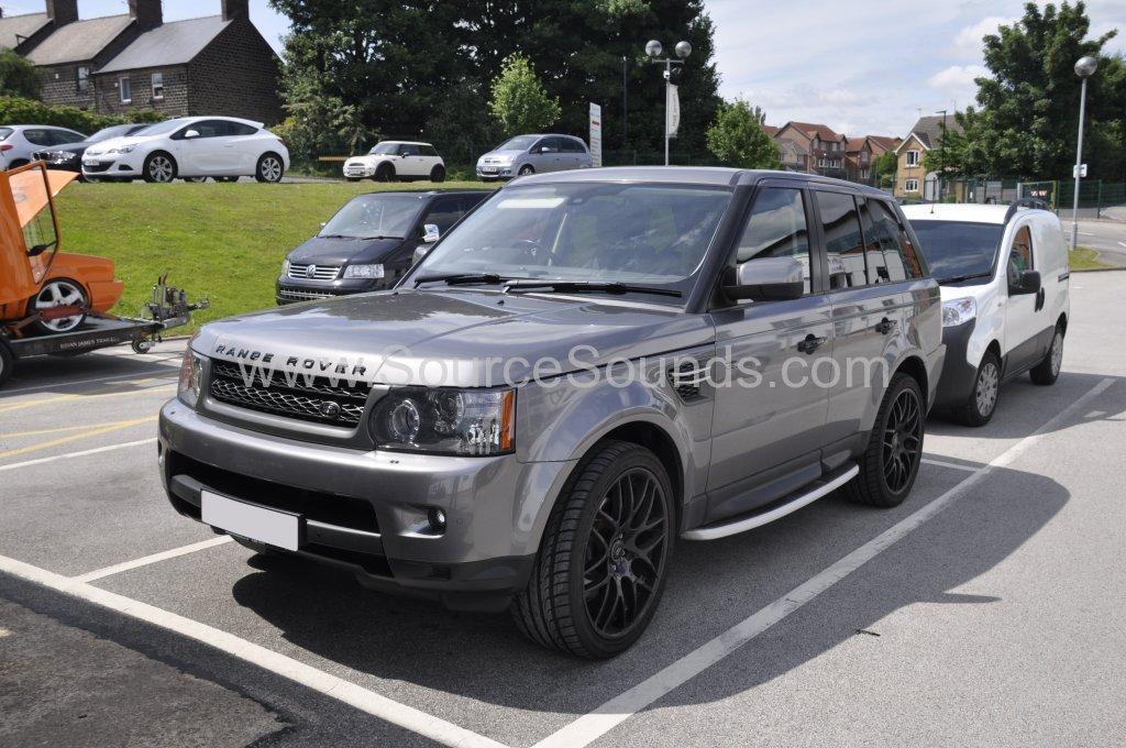 Range Rover Sport 2010 Rosen DVD headrest upgrade 001