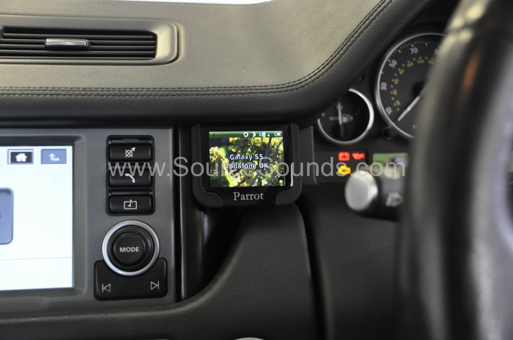 Range Rover Vogue 2007 bluetooth upgrade fibre optic 004.JPG