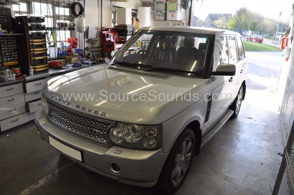 Range Rover Vogue 2007 reverse camera upgrade 001.JPG