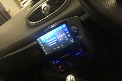 Renault Clio RS 2009 DAB screen reverse cam upgrade 004