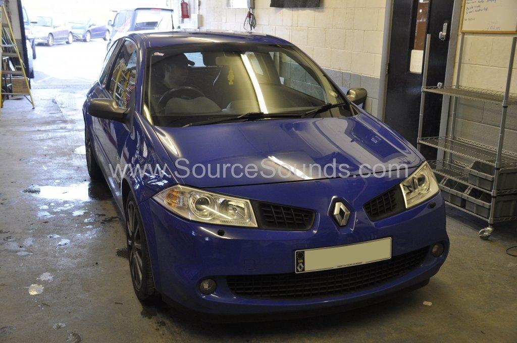 Renault Megane 2006 stereo upgrade 001