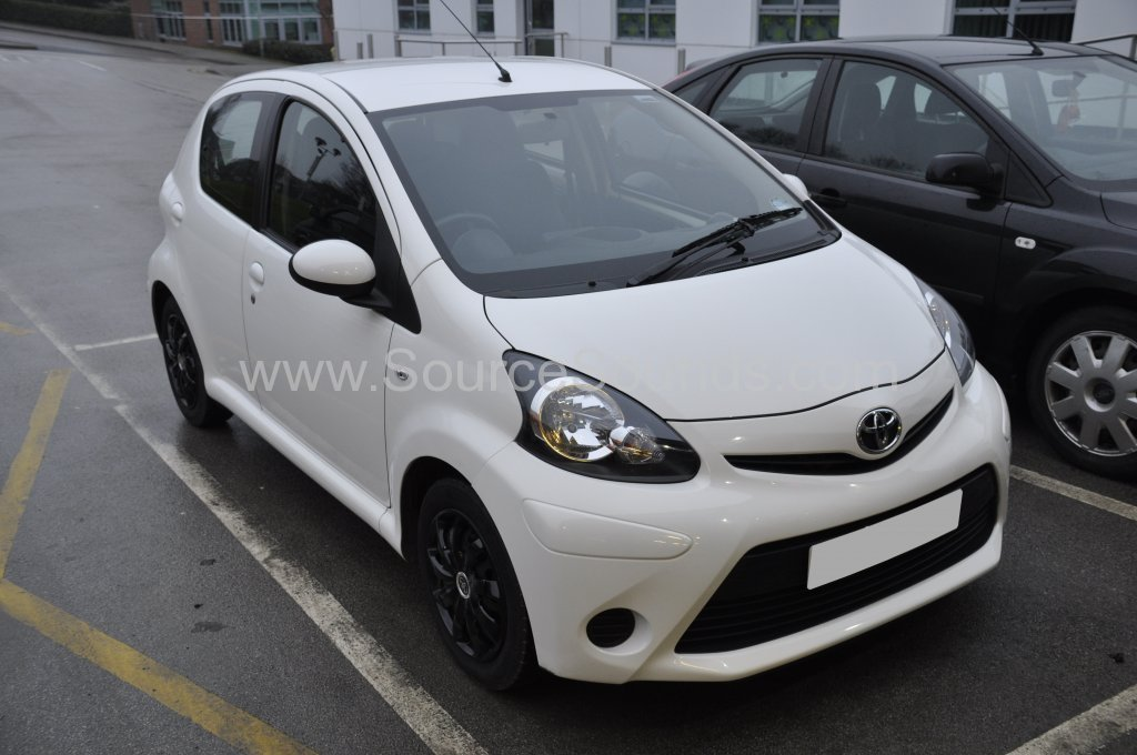 Toyota Aygo 2012 carplay upgrade 001
