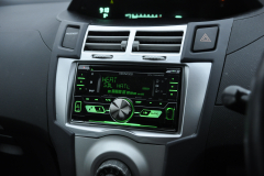 Toyota Yaris 2006 DAB radio upgrade 003