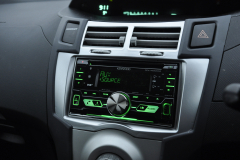 Toyota Yaris 2006 DAB radio upgrade 005