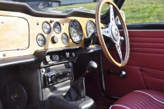 Triumph TR250 1968 audio upgrade 003