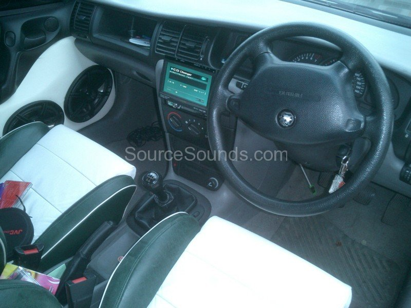 Source_Sounds_Sheffield_Car_Audio_Vauxhall_Vectra_Matt6