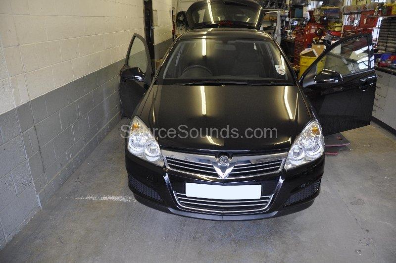 vauxhall-astra-2009-parking-sensor-upgrade-001