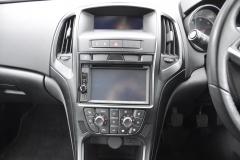 Vauxhall Astra 2010 DAB upgrade 003