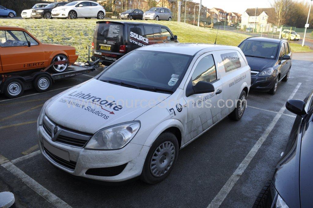 Vauxhall Astra Van 2012 stereo upgrade 001