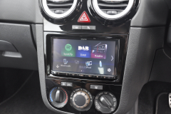 Vauxhall Corsa 2014 DAB upgrade 004