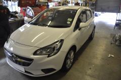 Vauxhall Corsa 2016 thinkware f7702ch 001