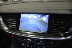 Vauxhall Insignia 2017 reverse camera moving lines 006