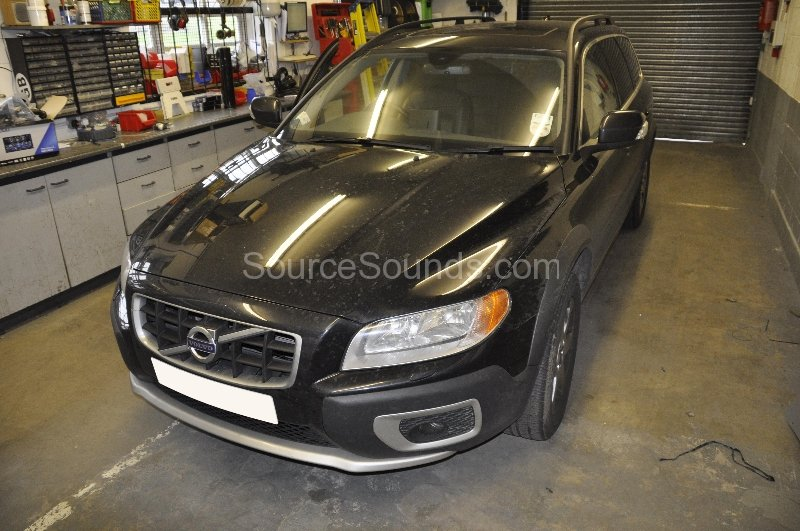 volvo-xc70-2010-roof-screen-upgrade-001