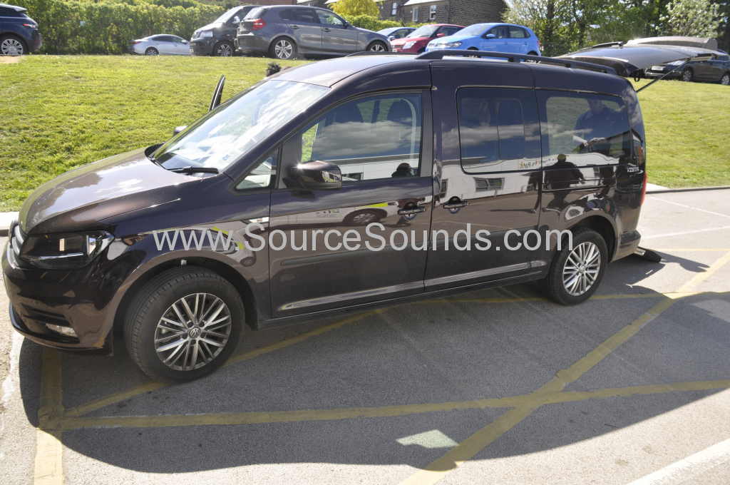VW Caddy Maxi 2017 roof screen 001