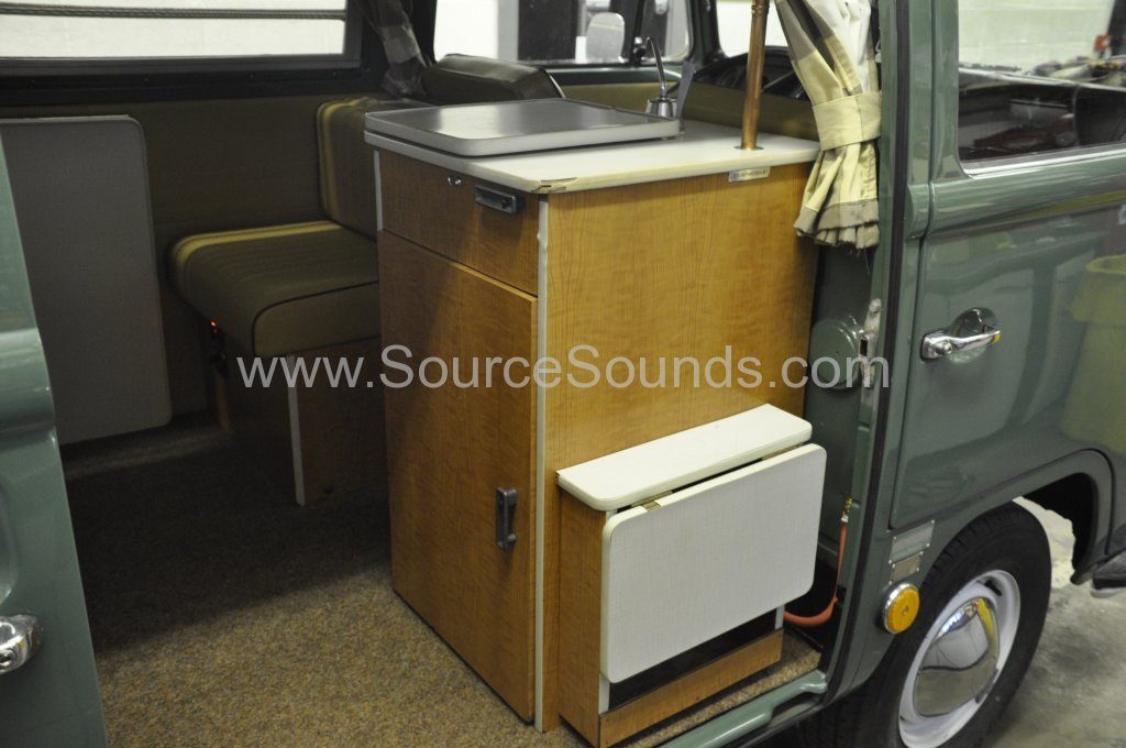 VW Camper 1967 audio upgrade 003
