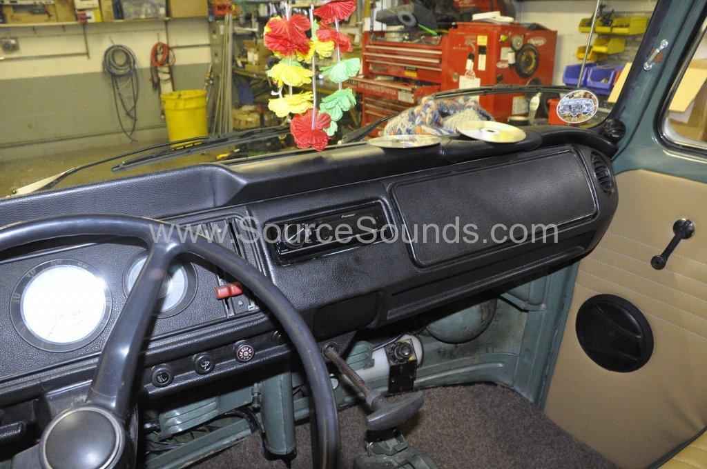 VW Camper 1967 audio upgrade 006