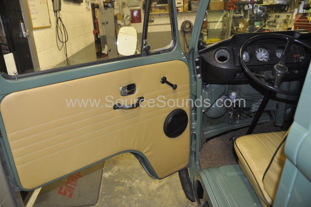 VW Camper 1967 audio upgrade 008