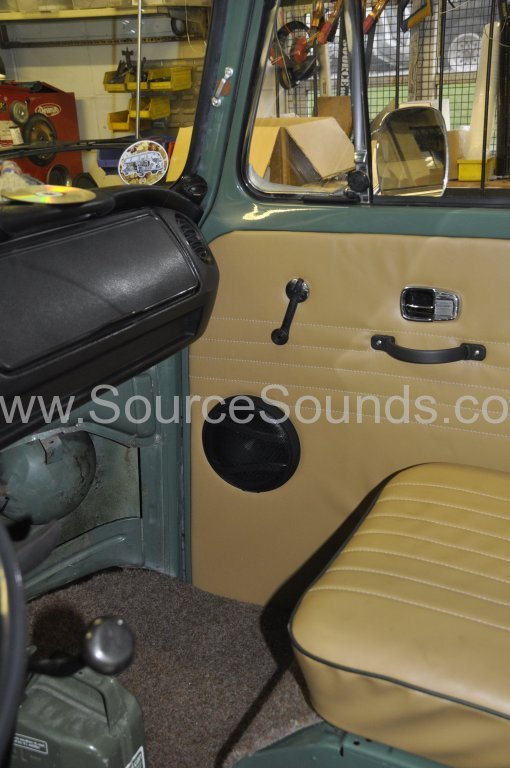 VW Camper 1967 audio upgrade 010