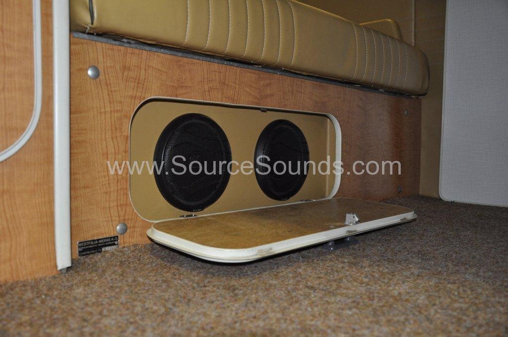 VW Camper 1967 audio upgrade 013