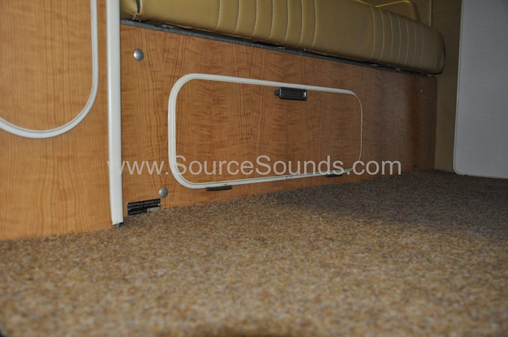 VW Camper 1967 audio upgrade 014