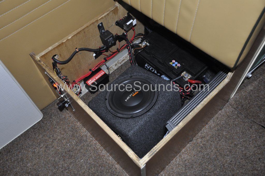 VW Camper 1967 audio upgrade 015