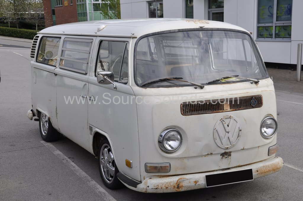 VW Camper 1972 audio upgrade 001