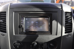 VW Crafter 2010 DAB screen upgrade 004