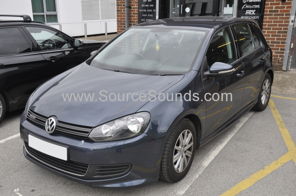 VW Golf 2011 rear parking sensors 001