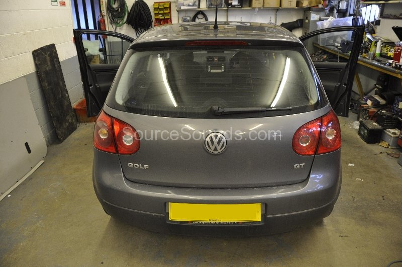 vw-golf-gt-2007-audio-upgrade-001