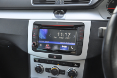 VW Passat 2012 kenwood OE screen 004