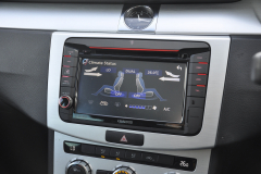 VW Passat 2012 kenwood OE screen 010