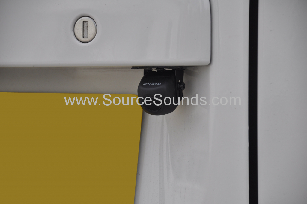 VW T5 2012 DAB screen upgrade 009