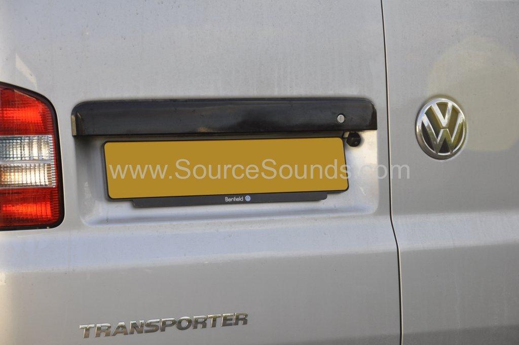 VW T5 2014 reverse camera upgrade 003
