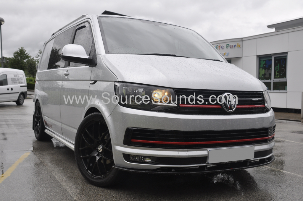 VW Transporter T6 2015 DAB screen upgrde 001