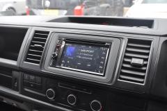 VW Transporter T6 2015 DAB screen upgrde 004