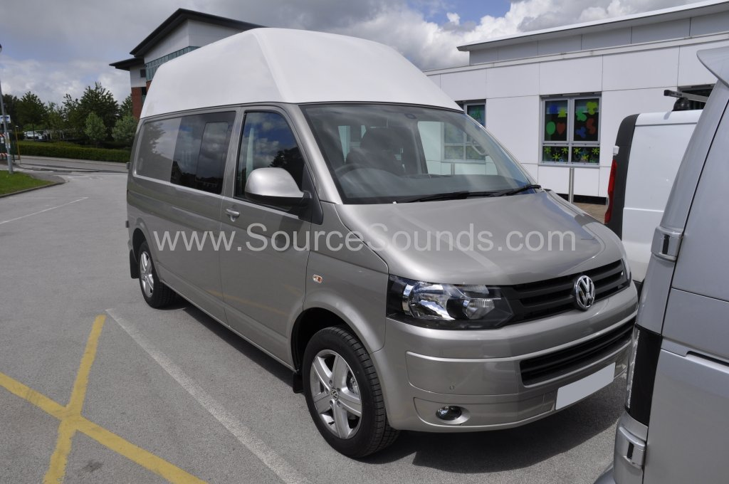 VW Transporter T5 2015 DAB upgrade 001