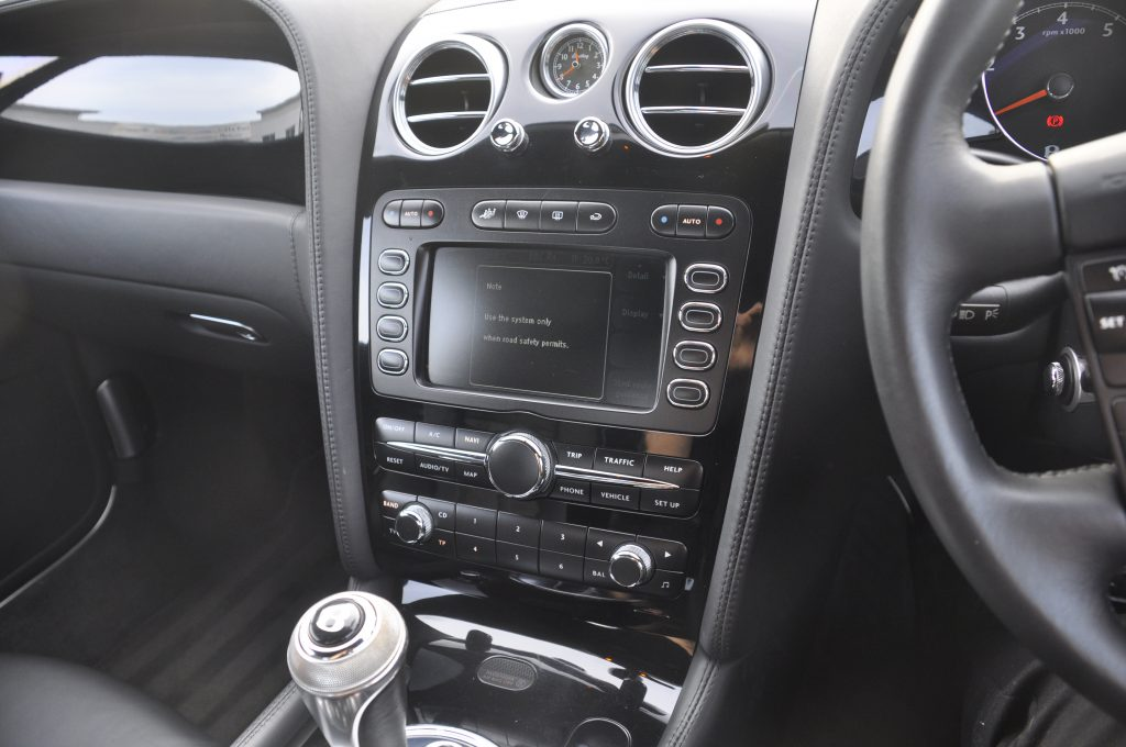 Bentley GT 2006 factory stereo